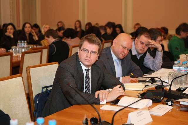 Учасники круглого столу: Олексій Щербатенко, Владислав Зубар, Олександр Стародубцев